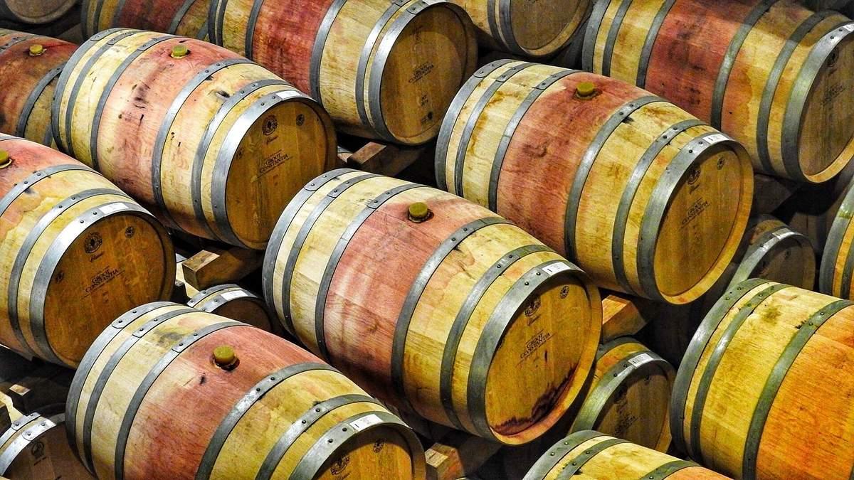 Витримка вина: що це таке і на що впливає