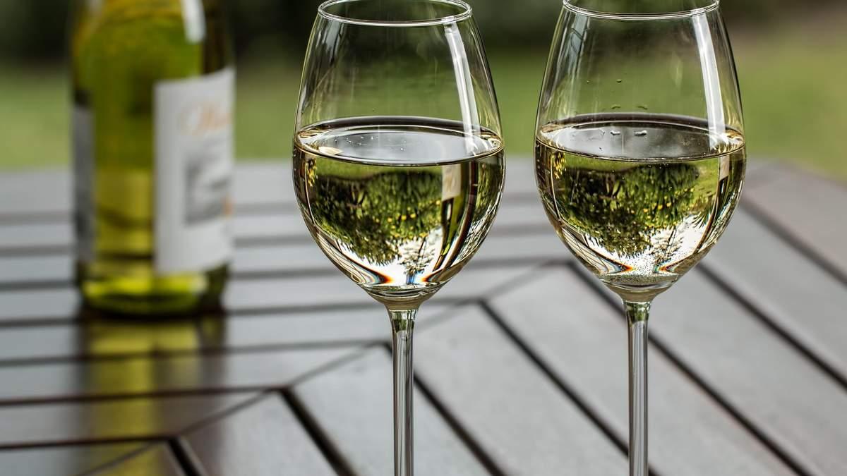 Топ летних вин: названия фаворитов голливудского сомелье