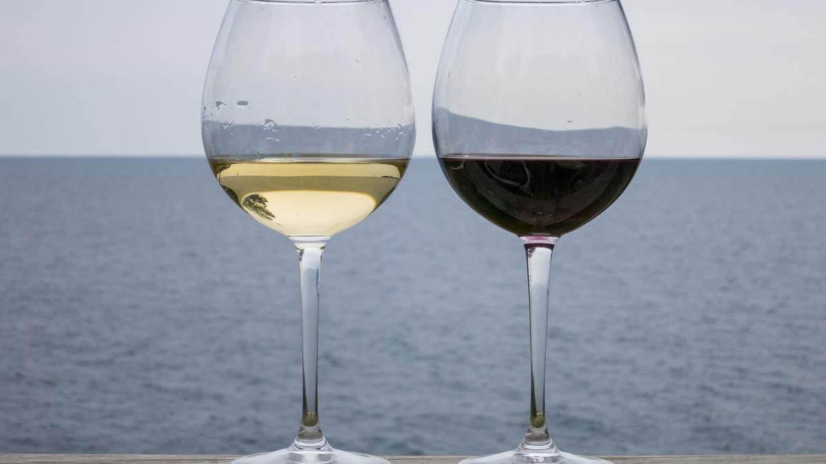 Як, де і скільки зберігати вино