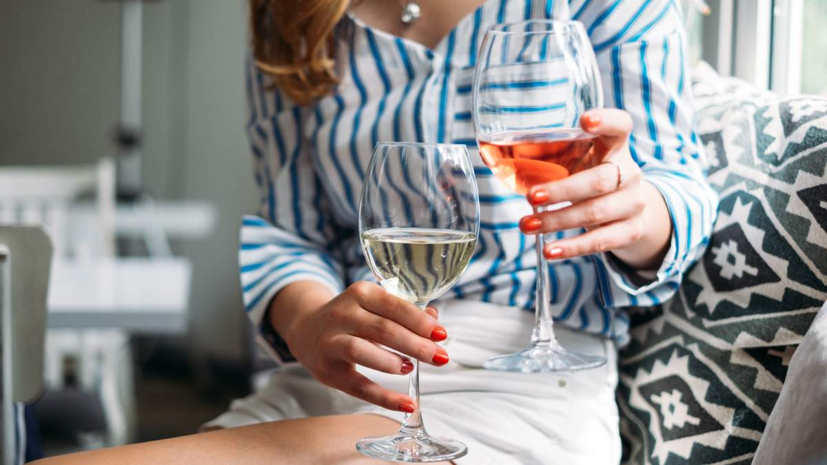Сухие вина: типы, вкус, особенности, отличия от полусладких и полусухих вин