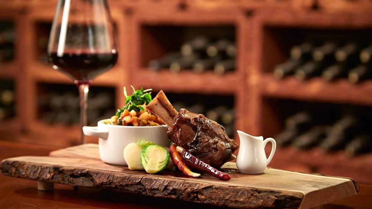 Вино для приготування страв з м'яса, до соусів та універсальні вина