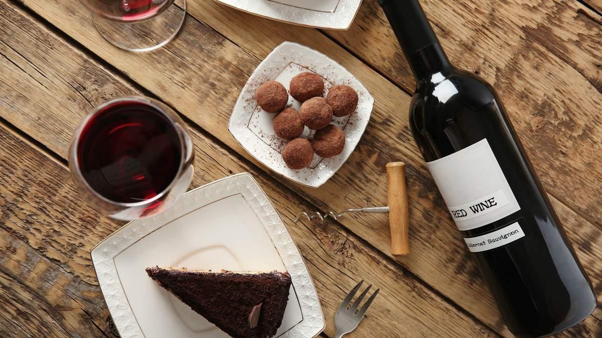 Які вина варто поєднувати з шоколадом: назви вин, види шоколаду