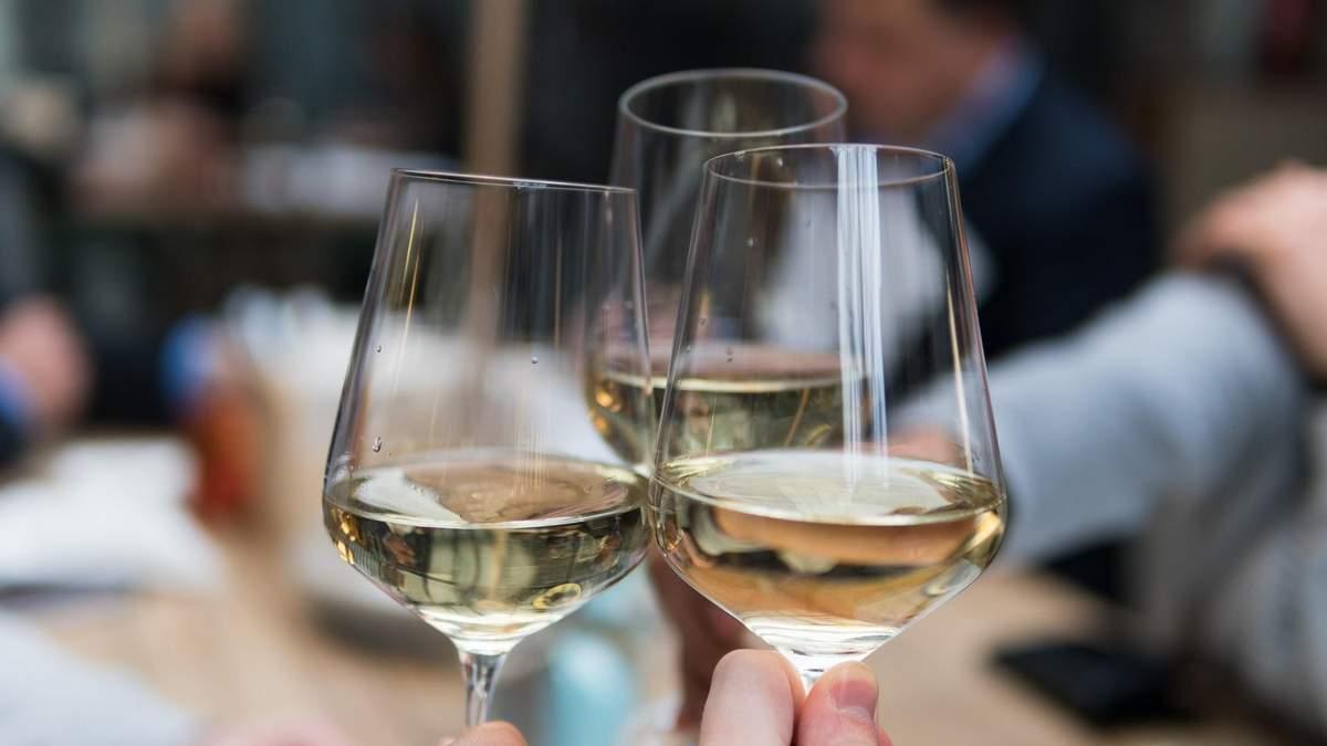 Безалкогольне вино: що це таке та як його виробляють