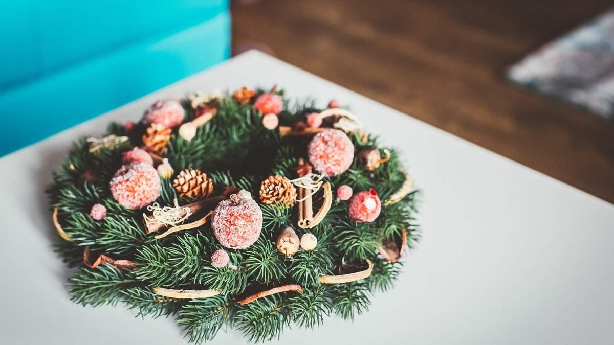 7 новогодних букетов и композиций, которые украсят ваш праздничный интерьер – фото
