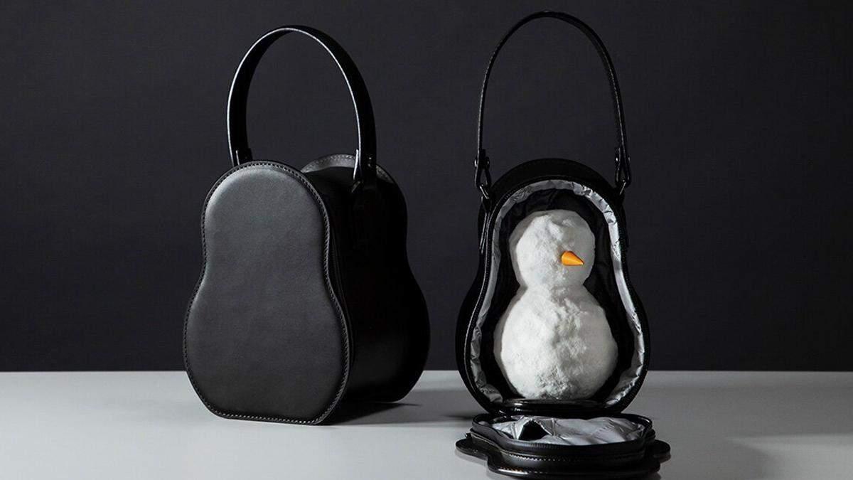 Дизайнери придумали сумочку, щоб носити в ній сніговика: кумедні фото і відео