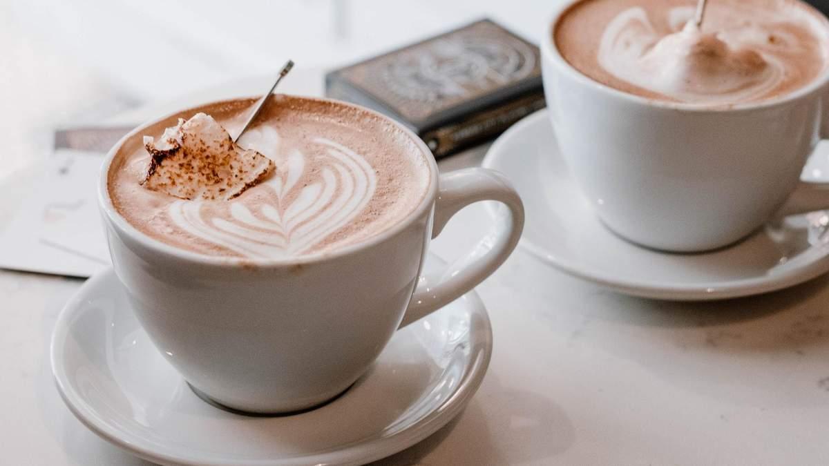 10 неочікуваних продуктів, які варто додати в каву