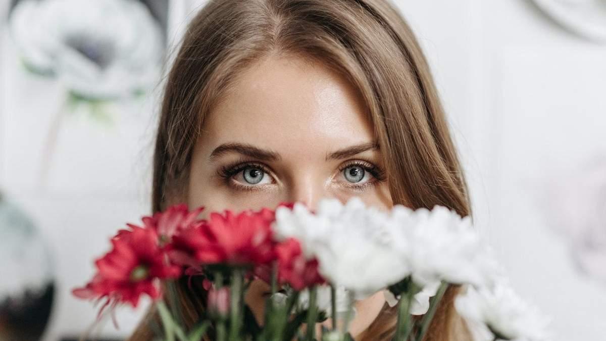 Квіти чи подорожі: чого найбільше хочуть жінки на 8 Березня – результати опитування