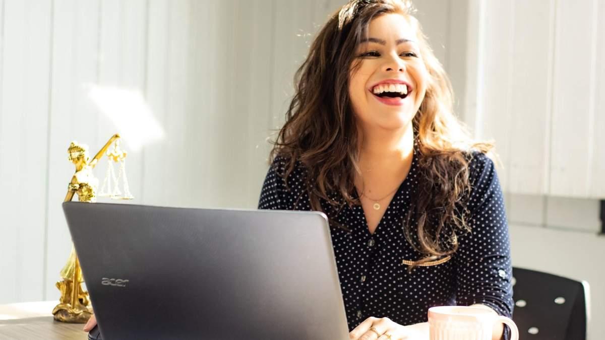 Как чувствовать себя счастливее на работе: 10 простых советов
