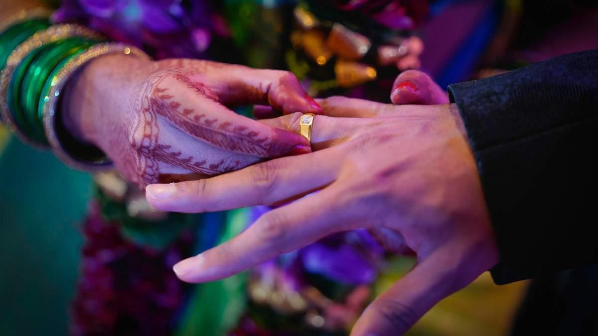 Муж помог жене выйти замуж за ее любовника