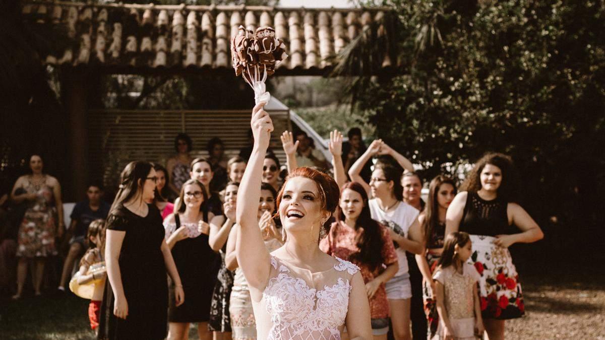 Буває ж таке: 15 дивних весільних фото, які вас здивують