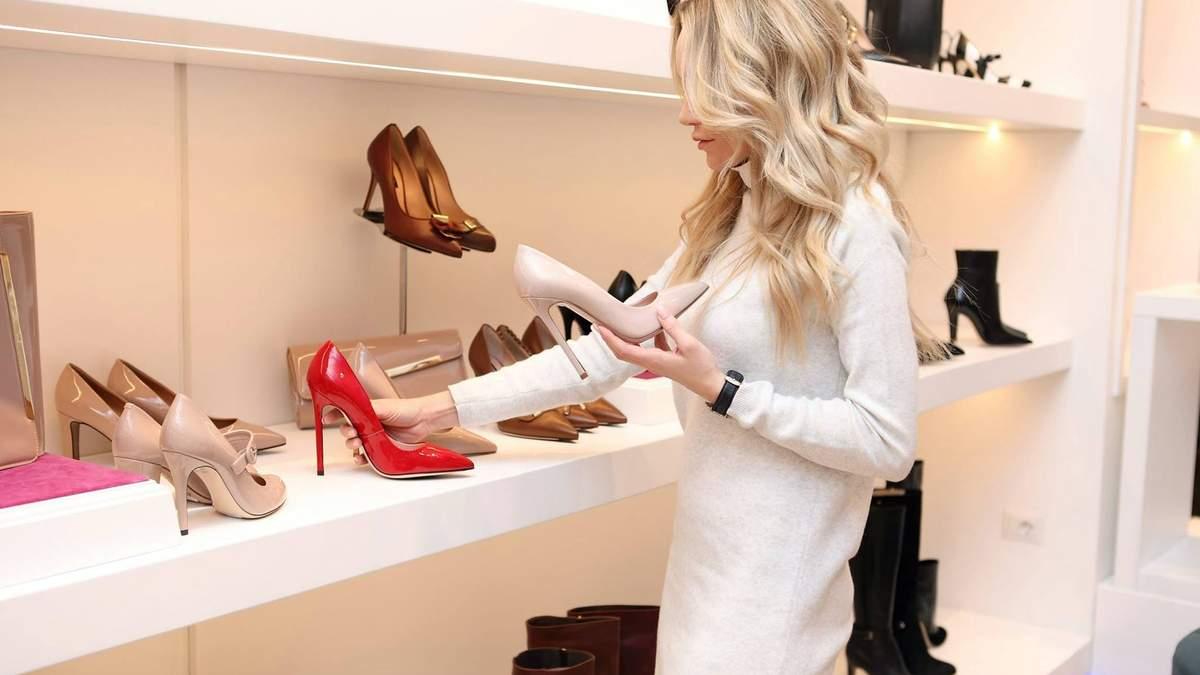З яким носком обрати взуття, враховуючи форму стопи