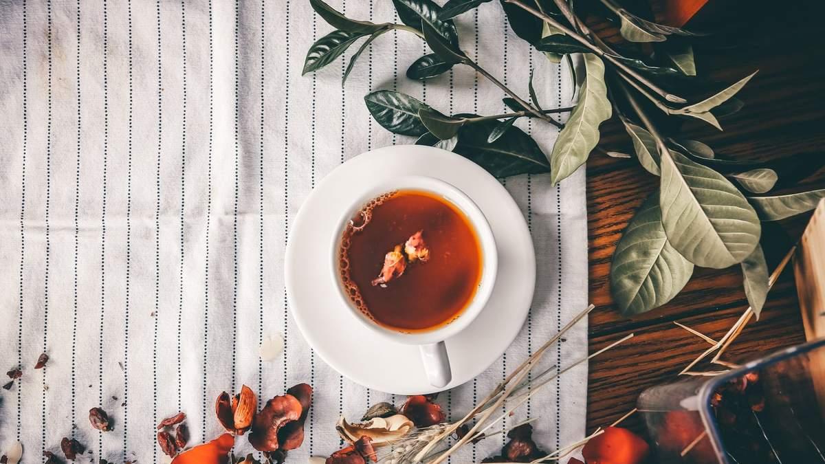 Женщина показала способ, как заваривать чай:он возмутил миллионы людей