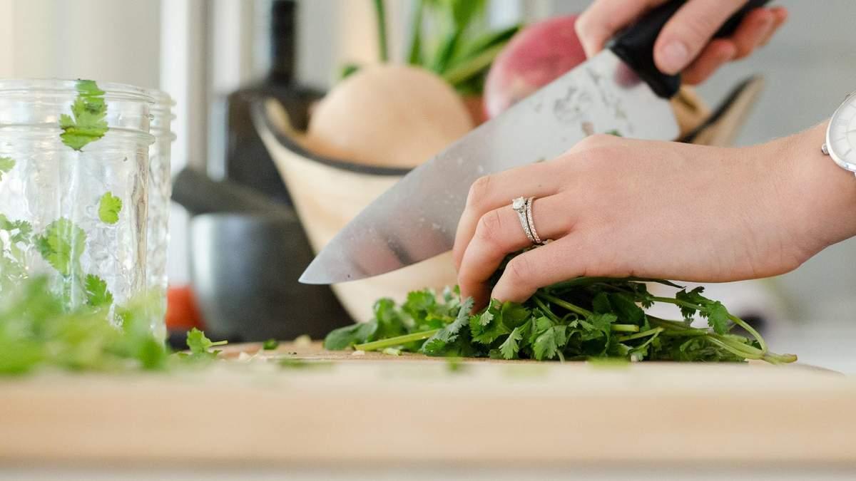 10 лайфхак, которые пригодятся на кухне