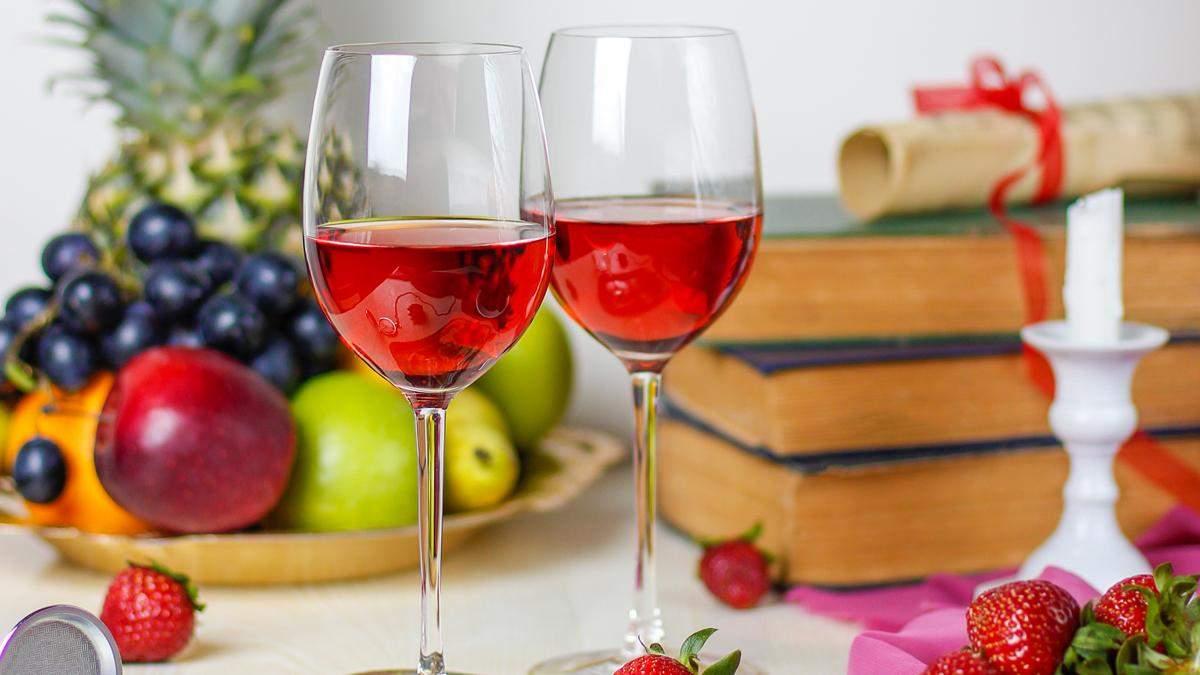 Як аромат полуниці може з'явитися у вині: пояснює сомельє - Life