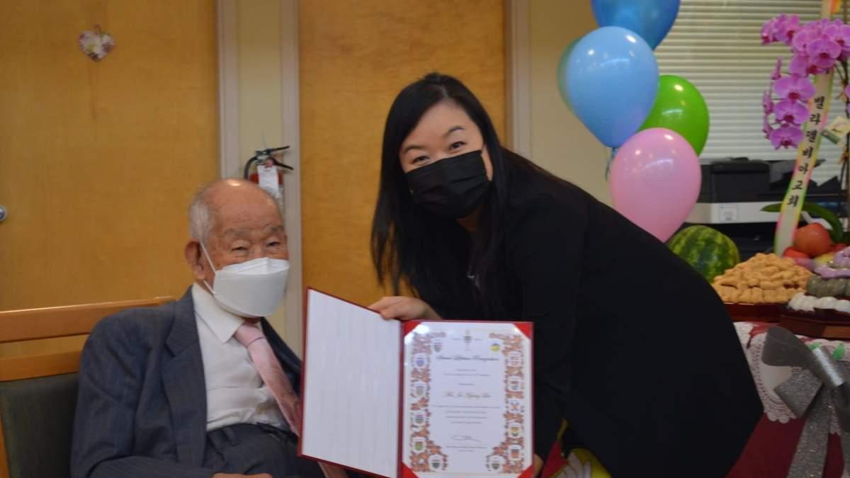 Святкує 111 років: найстаріший чоловік Канади розповів секрети свого довголіття - Life