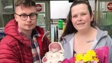 Жінка народила на стоянці супермаркету: вона не знала, що вагітна