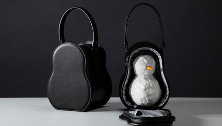 Дизайнери придумали сумочку, в якій можна носити сніговика: кумедні фото