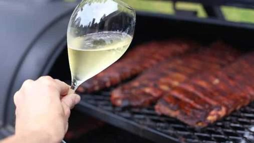 Яке вино найкраще смакує з барбекю та стравами на грилі