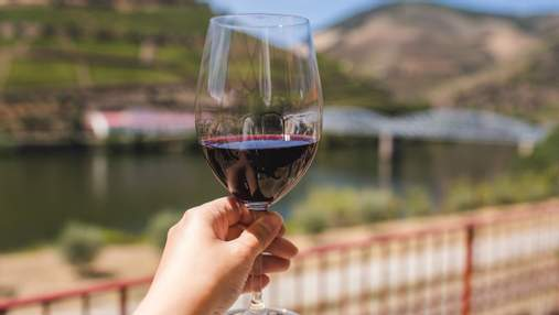 Звідки у вині може взятися аромат буряка: пояснює сомельє