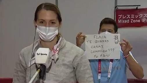 Тренер зробив пропозицію фехтувальниці у прямому ефірі на Олімпіаді: відео